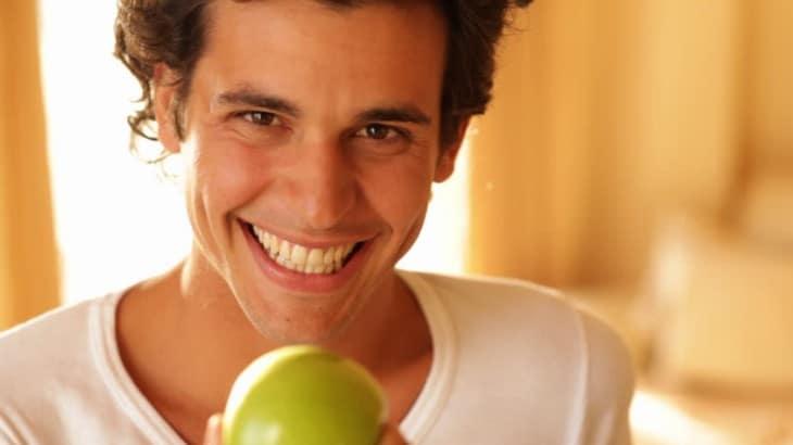 Health Benefits of eating apple