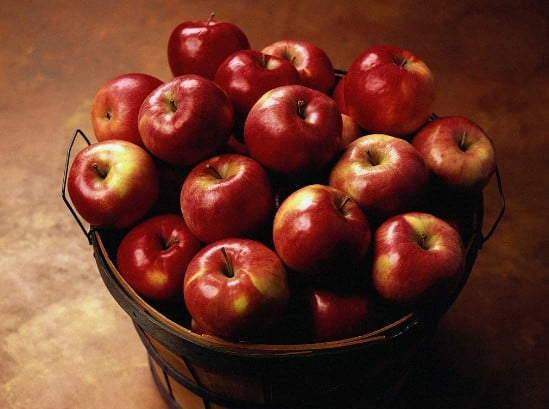 Natural Health benefits of eating Apple