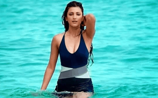 hot and sexy shruti hassan in bilkini