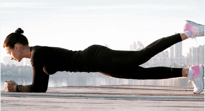 how to do plank exercise female fitness
