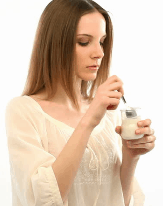 eating yogurt and its amazing health benefits