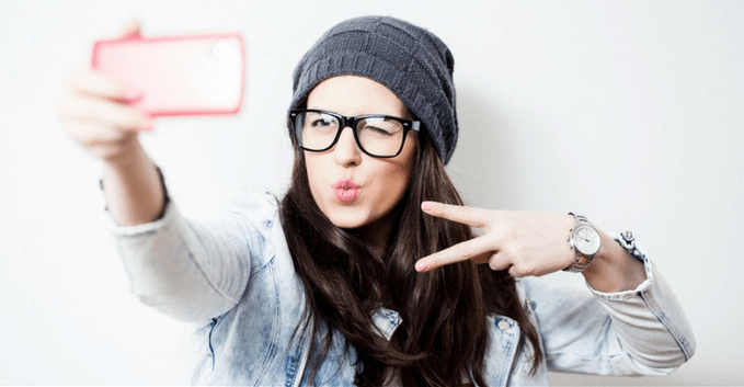 why not to take too much selfies